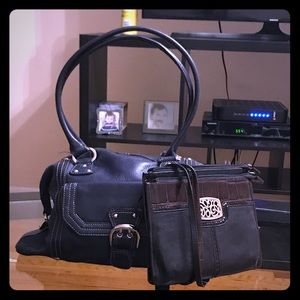 OFFERS??? Tignanello & Brighton bag bundle